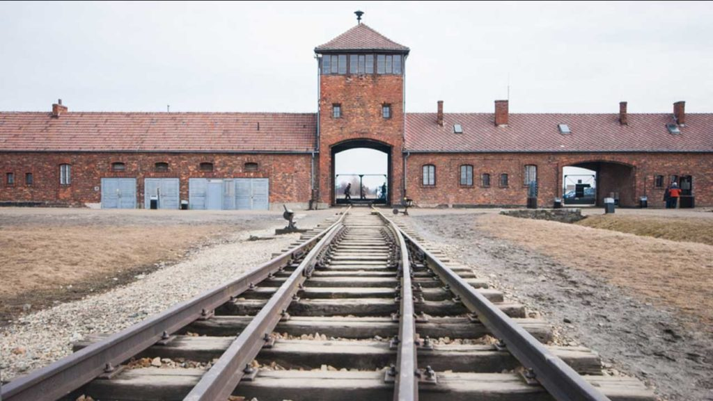 آشویتس گردشگری تاریک